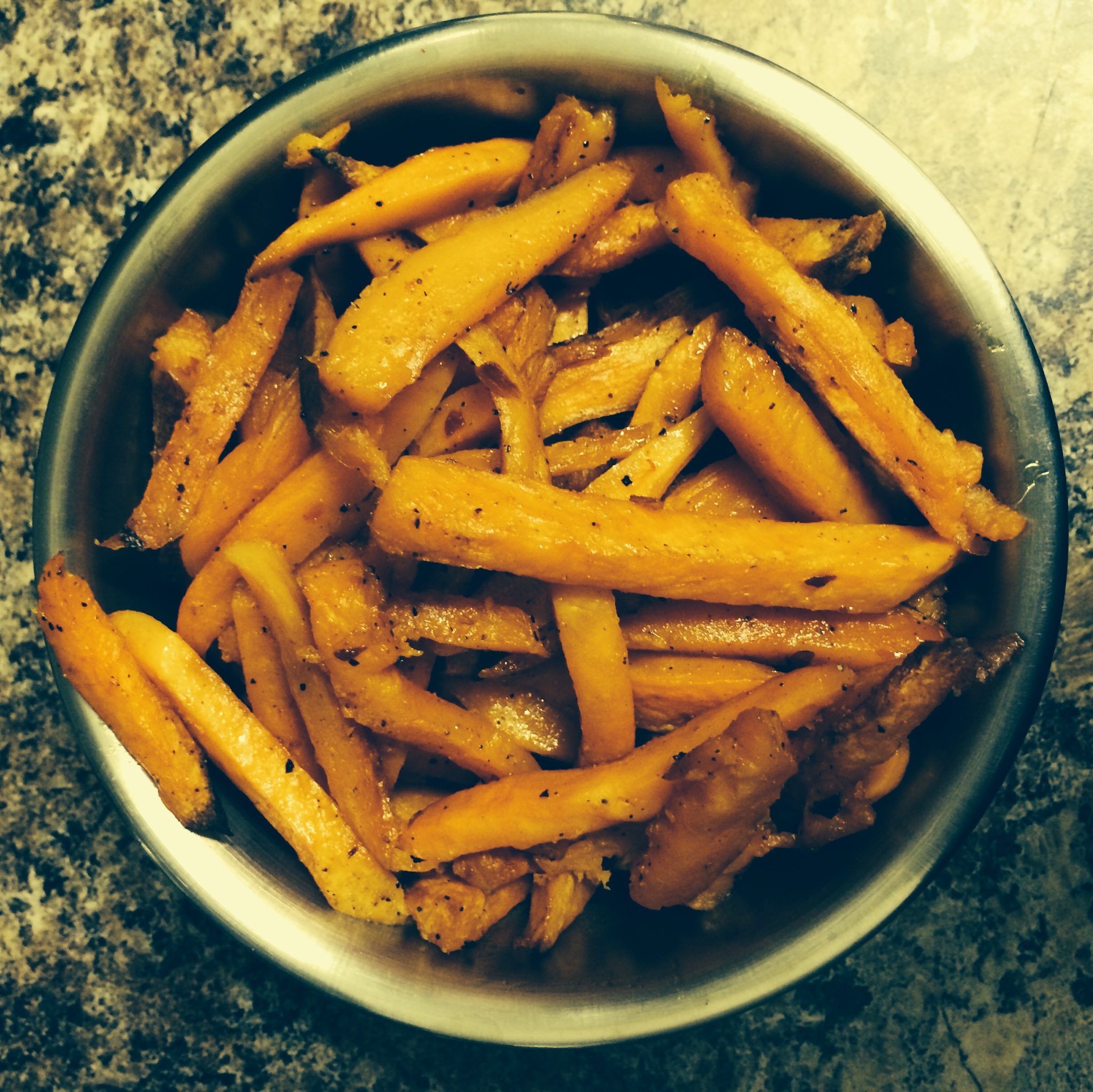Recipe Friday: Spicy Oven Baked Sweet Potato Fries | #LiveYourHealth