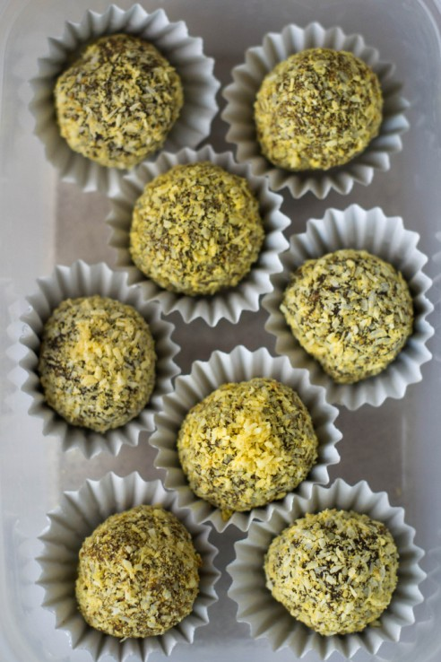 Recipe Friday: Raw Coconut & Turmeric Chocolate Truffles